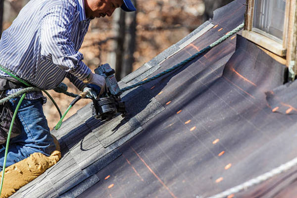 Best Tips to Guide You while Selecting a Roofing Services